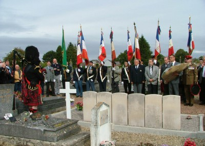 At the collective grave of the British soldiers