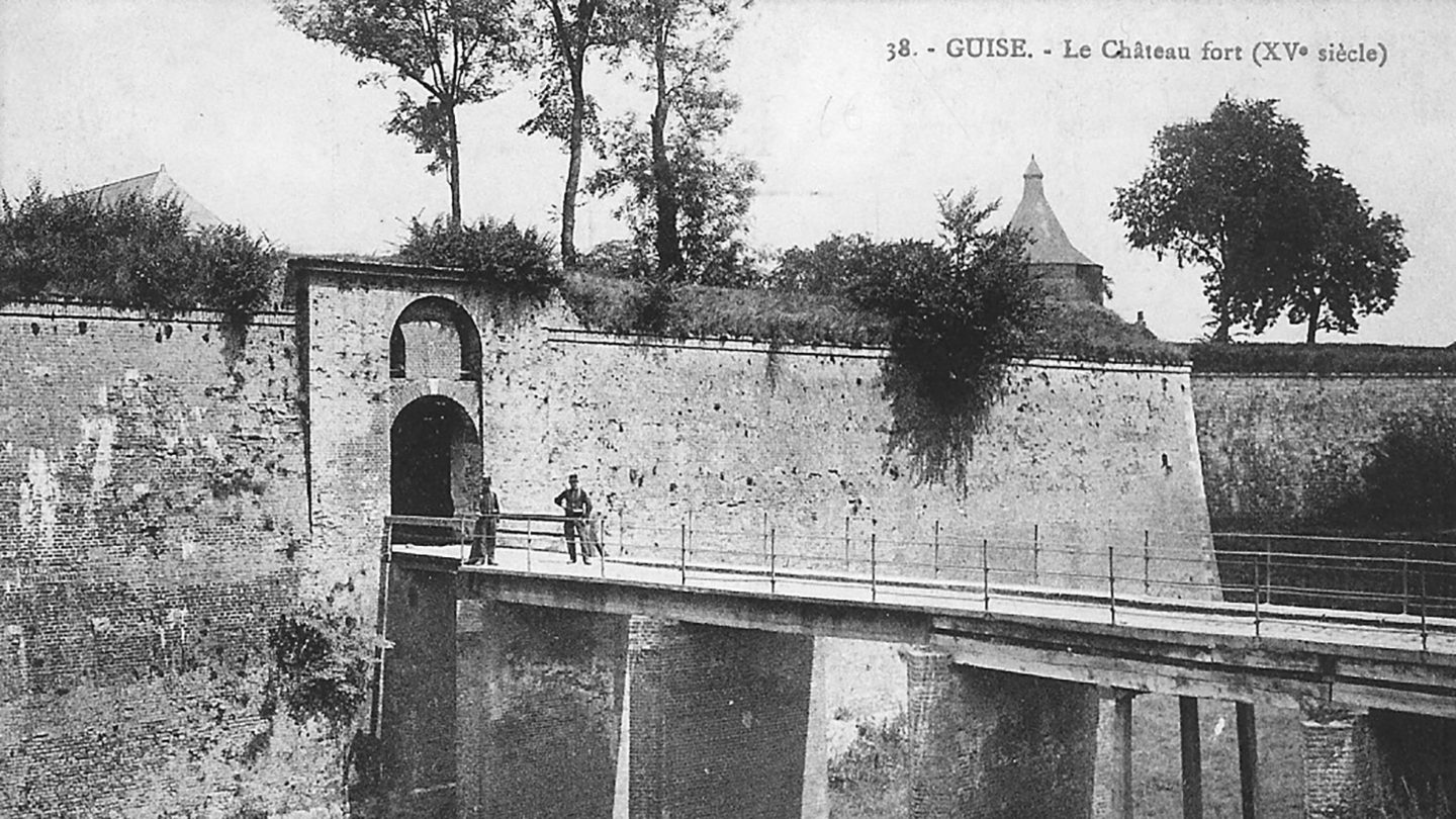 Photo-2.3-Porte-Secours--Guise-Chateau--pre-WW1-081109